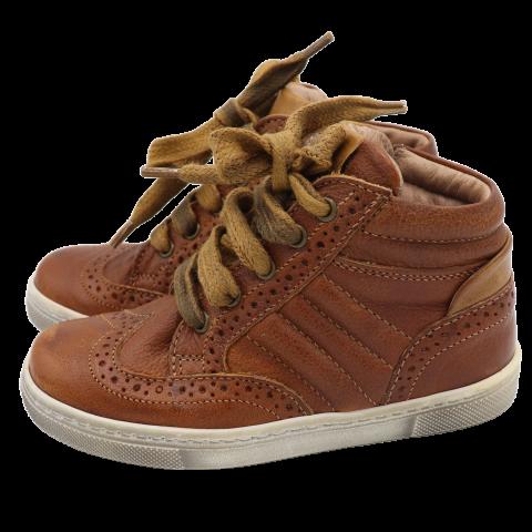 Pantofi  înalti sport din piele naturală. Kickers. Mărimea 24