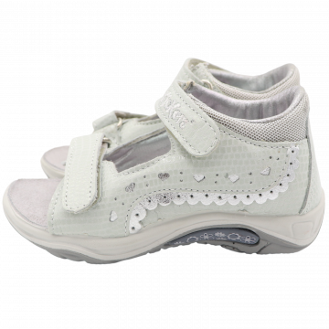 Sandale din piele naturală cu arici. Kickers. Mărimea 24